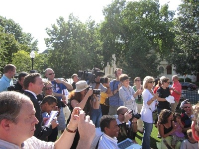 Photo Friday: Watch the Audience (New Dog and Human Parks in Washington, DC)
